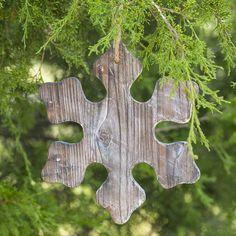 No snowflakes covering the trees outside yet? I'll place a special one on the #Christmas tree! #mossmountainfarm #sharethebounty #joy #ShopPAllen #comeseeus