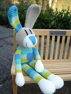Henning, crochet Bunny ♥ von Schneckenkind auf DaWanda.com