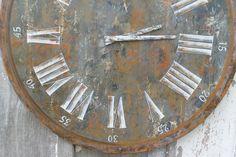 Horloge rouille par petitesrecoltes sur Etsy https://www.etsy.com/fr/listing/227845218/horloge-rouille