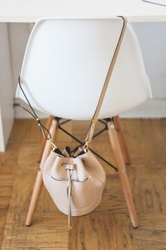 Love this bag: http://www.stylemepretty.com/living/2015/04/02/behind-the-blog-poor-little-it-girl/ | Photography: Hannah Hudson - http://www.hannahhudsonphotography.com/