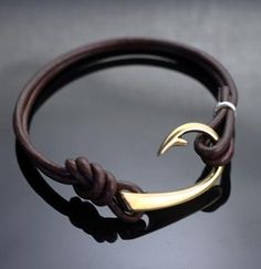 Bronze lg Hook, bracelet on heavy leather cord Diy Leather Bracelet, Leather Jewelry, Silver Jewelry, Silver Earrings, Leather Cord, Thick Leather, Onyx Necklace, Gothic Jewelry, Leather Cuffs