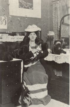 A pretty kitty backstage with Maude Fealy.