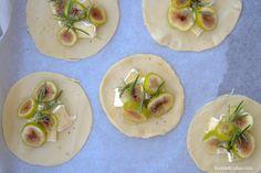 Mini figs quiches
