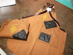 Custom leather and canvas barber apron handmade for a client in France Custom Leather, Handmade Leather, Barber Apron, Custom Aprons, Custom Canvas, Bags, France, Personalized Aprons, Custom Screens