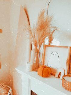 Halloween Birthday, Halloween Christmas, Spooky Halloween, Halloween Decorations, Fall Room Decor, Cute Fall Wallpaper, Nyc Fall, Holiday Fun, Holiday Decor