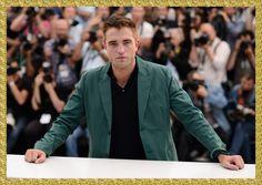 Robert Pattinson No PhotocallDe The Rover Em Canne... Robert Pattinson participou em 18 de maio de photocall do filme 'The Rover' no Festival de Cannes 2014, do qual é protagonista. O ator posou para fotos ao lado do elenco do longa-metragem, que está fora da competição.