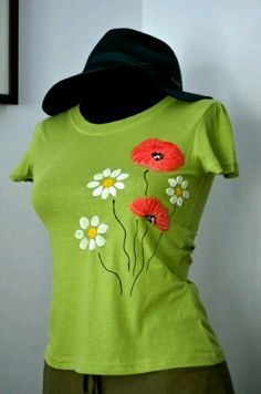 Hand painted t-shirt Fabric Paint Shirt, Paint Shirts, T Shirt Painting, Fabric Painting, Hand Embroidery Videos, Embroidery On Clothes, Embroidery Dress, Hand Painted Dress, Painted Clothes