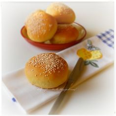 Le Torte di Pezzettiello e non solo...: Panini al burro con sesamo