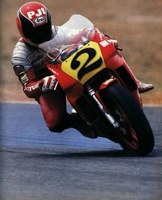 Randy Mamola cooking it on a Cagiva 500 year Ducati Sport Classic, Classic Bikes, Motorcycle Racers, Racing Motorcycles, Bike Drift, Course Moto, Gp Moto, Motogp Race, Bike Rider