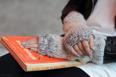 Knit fingerless mittens Knit fingerless gloves Knit fingerless mitts Beige mittens Knit wrist warmers Chunky knit gloves Christmas gift girl