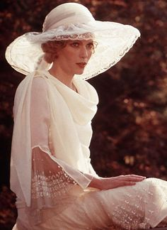 White lace trimmed hat. Mia Farrow, 'The Great Gatsby.'