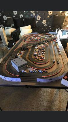 Slot Car Race Track, Slot Car Racing, Slot Car Tracks, Afx Slot Cars, Kart Parts, Antique Toys, Childhood Memories, Collections, Deco
