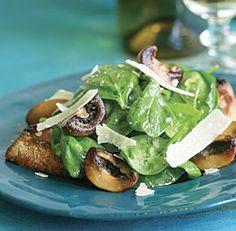 Garlic+Crostini+with+Spinach,+Mushroom+&+Parmigiano+Salad