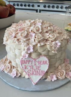 17th Birthday, Birthday Parties, Birthday Cake, Birthday Ideas, Baking Recipes, Snack Recipes, Pretty Cakes, Something Sweet, Aesthetic Food