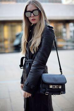 Black leather - Street Fashion