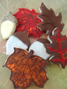 Pink Little Cake: Fall Cookies and Fantastic Giveaway by The Cookie Cutter Company