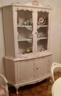 Vetrina rosa cipria tenue in stile shabby chic, provenzale https://www ...