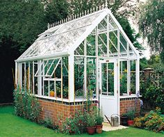 Englisches Gewächshaus (Potting Shed Plans) Greenhouse Shed, Small Greenhouse, Greenhouse Gardening, Gardening Tips, Garden Buildings, Garden Structures, Greenhouse Pictures, Victorian Greenhouses, Garden Cottage