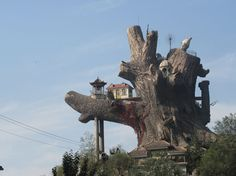 Scary Roadside Attractions | roadside attraction
