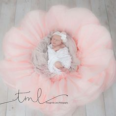Giant paper flower for newborn by FlowerVoyageBoutique on Etsy