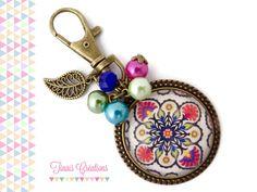 Bijou de sac / Porte clef cabochon - Oriental - rose fuchsia bleu orange vert floral breloque feuille perles : Porte clés par tinais-creations