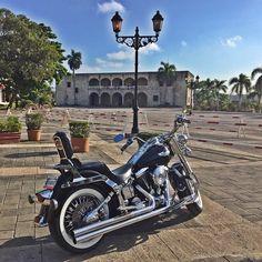 DOUBLE TAP! Credits to the amazing owner  #motorcycle #motors #sale #promo #motor #usa #tflikers #tagsforlikes #photooftheday #picoftheday #instagood #beautiful #rider #ride #motor #headlight #harleydavidson #yamaha #susuki #honda #jeepwrangler #harley #travel #riding #bike #motocycles #rideout #streetbike #biker #bikeweek https://bagfive.com