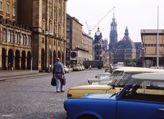 Dresden | Parking cars (Trabant, Wartburg) in the historic centre | June 03, 1989