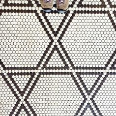 Hexagon tile floor pattern