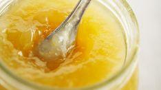 Una confettura un po' diversa dal solito, ma adatta a questa stagione invernale quando le arance sono belle gustose.
