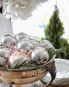 adventskranz aus weihnachtskugeln selber machen so geht 39 s diy pinterest selber machen. Black Bedroom Furniture Sets. Home Design Ideas