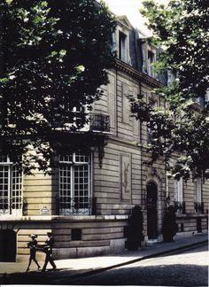 Avenue Marceau...