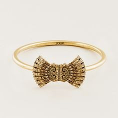 i love everything about this bracelet. now if only i could find something similar at an estate sale for less...