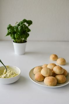 Garlic Doughballs-4