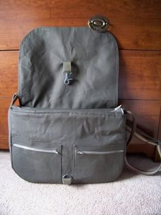 Awesome Messenger Bag (major pics!) Plus TUTORIAL :) - PURSES, BAGS, WALLETS
