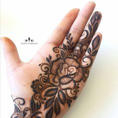 42 Super Ideas For Jewerly Tattoo Ink Life Rose Mehndi Designs, Mehndi Designs For Girls, Modern Mehndi Designs, Mehndi Designs For Fingers, Mehndi Design Images, Beautiful Henna Designs, Latest Mehndi Designs, Dubai Mehendi Designs, Mehandi Designs Arabic