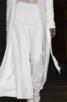 Carolina Herrera at New York Fashion Week Fall 2016 - Details Runway Photos