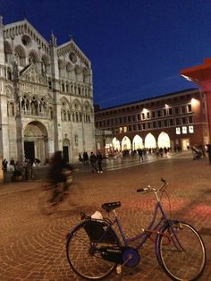 """Twitter / iperfectrecipes: Ferrara and its cathedral during the """"blue hour"""""""