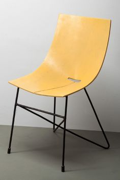 Roman Modzelewski; Lacquered Molded Plywood and Enameled Metal Chair, 1950s.