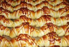 Vendégváró kis kiflik Hungarian Recipes, Cooking Recipes, Healthy Recipes, Creamed Mushrooms, Snacks, Diy Food, Croissant, Cake Recipes, Macaroni And Cheese