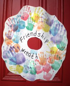 Friendship Wreath - great younger kids activity.