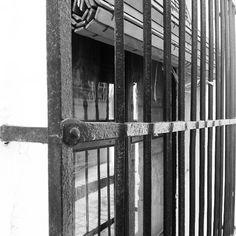 #zoom en los #detalles #enobra #building #build #rehabilitacion #reforma #construccion #conservación #diseño #desing #designer #esencia #antiguo #clasico #classic #clasicos #photography #inspire #inspiracion #inspiration#oxido #oxidado #enblancoynegro #work #working #hierroforjado #ideas