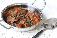 Dalia's Delights: Spinach and Beef Stew Beef Recipes, Whole Food Recipes, Healthy Recipes, Healthy Meals, Middle Eastern Recipes, Beef Dishes, International Recipes, Soups And Stews, Spinach
