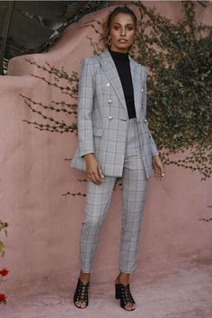 38 Classy and Elegant Spring Women Work Outfits In 2020 - Work Outfits Women Suit Fashion, Look Fashion, Fashion Outfits, Fashion Black, Office Looks, Mode London, Suits For Women, Clothes For Women, Work Clothes