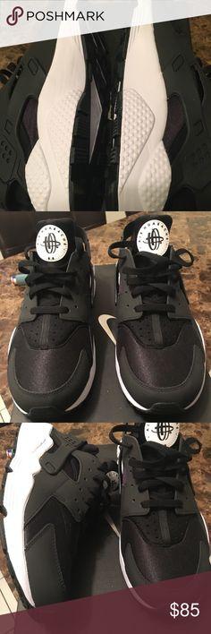 bd85d25e35ae Men s size 11 customized Nike huaraches! Never before worn! Custom  huaraches black white