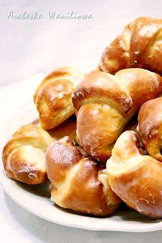 Arabeska : Rogaliki drożdżowe z marmoladą Pretzel Bites, Sprouts, Bread, Baking, Vegetables, Food, Kitchen, Cooking, Brot