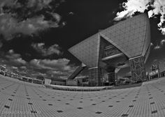 The Tokyo Big Sight event building on Odaiba must be one of most strange-looking buildings in the world.    Anyway, there are a lot of really cool events going on there. Among others, Design Festa.   |   Photo By: http://www.flickr.com/photos/drzuco/   |   Design Festa: http://designfesta.com/en/