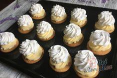 Medové krémeše trochu jinak - JEDNOHUBKY | NejRecept.cz Mini Cupcakes, 3d, Desserts, Tailgate Desserts, Deserts, Postres, Dessert, Plated Desserts