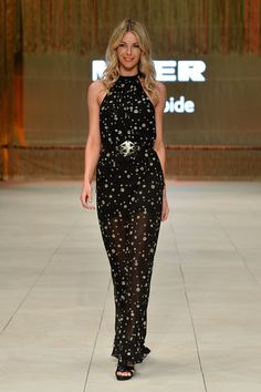 Jennifer Hawkins - Catwalk