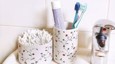 Vychytávky pro čistou kuchyň: Zázračný sprej, účinná hmyzolapka i tip na odmaštění zdi - Proženy Toothbrush Holder, Mobiles, Organization, Organizing, Getting Organized, Organisation, Toothbrush Holders, Mobile Phones, Staying Organized
