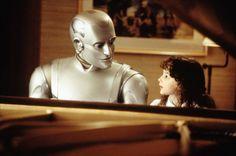 L'intelligence artificielle aurait-elle un comportement amical envers l'Homme? Le  philosophe Emmanuel Kant estimait que l'intelligence est étroitement liée à la moralité. Le neuroscientifique David Chalmers a appliqué cette idée au développement de l'intelligence artificielle. Selon lui, si une machine devient extrêmement intelligente, elle en deviendra automatiquement morale, et donc amicale.